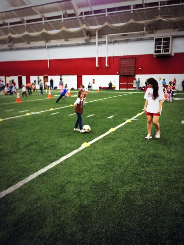 Our team working with some local kids at Mellencamp.  #NGWSD #lilhoosiers http://t.co/ad1ljgVwA5