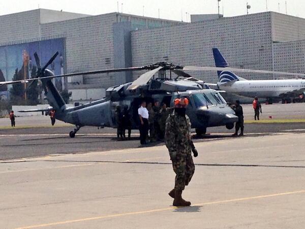 Hangar  sedena #ChapoGuzman http://t.co/w1bzvei9zr