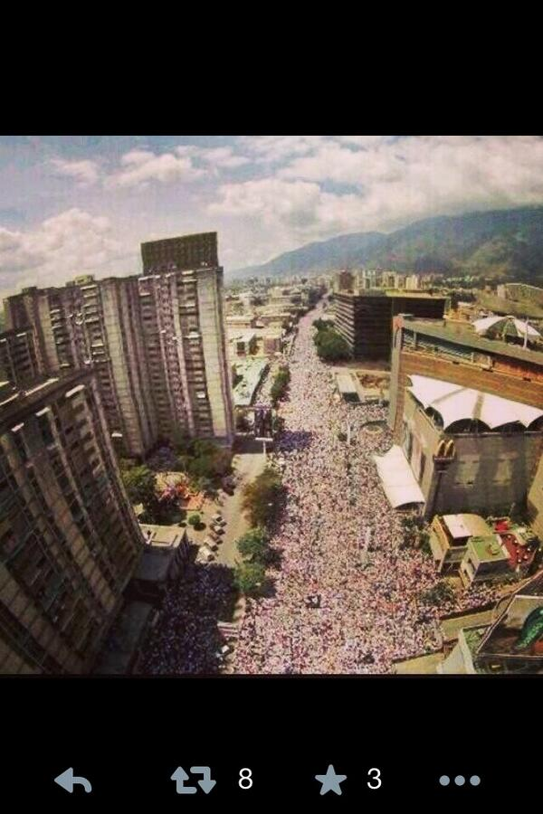 Bravo #Venezuela! Bravo!  #NoSeRindan http://t.co/zKk0NtBRr8