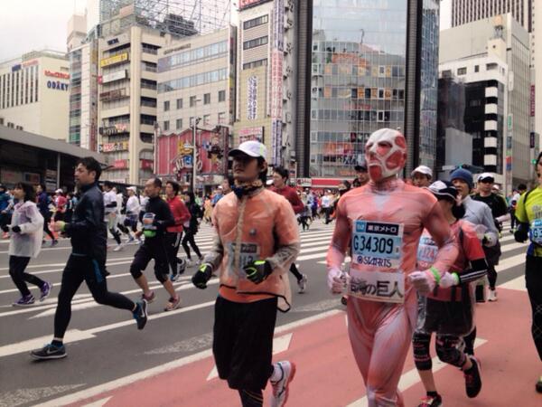 東京マラソンに巨人が出場してる pic.twitter.com/0t4nlnC25T