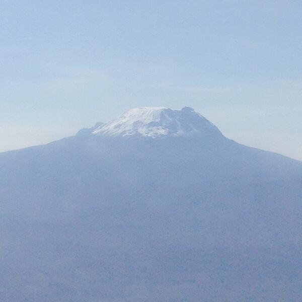 What a sight!! #kilimanjaro http://t.co/TZzgLN5bUO