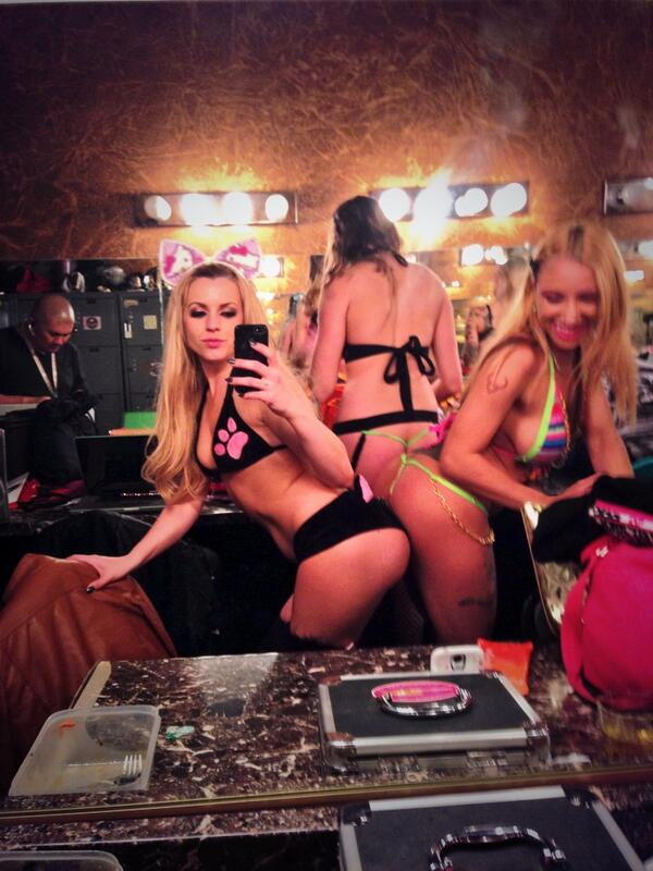 Booty bumping with Caramel! Come check us out at the Spearmint Rhino tonight! Last chance to see me naked