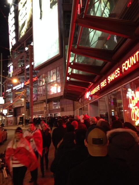 Just a casual 6 am line for bars at Yonge and Dundas. #TeamCanada #whatittakes #wearewinter http://t.co/XXzxVIkwQd