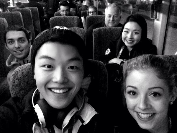 Off to the airport with @GraceEGold @MaiaShibutani and @cKyleCarr. #Sochi2014 #SochiSelfie http://t.co/cnw2E0nJGX