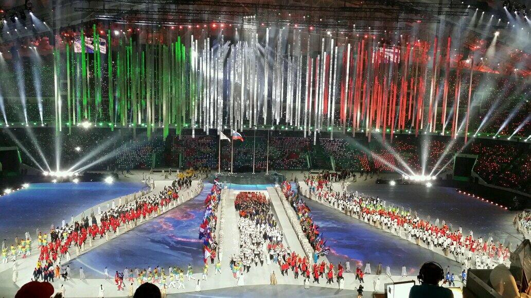 RT @Elicalca: Sfila l'Italia #Olympic Ceremony #SkyOlimpiadi @SkySport http://t.co/xDqYBbf7yh