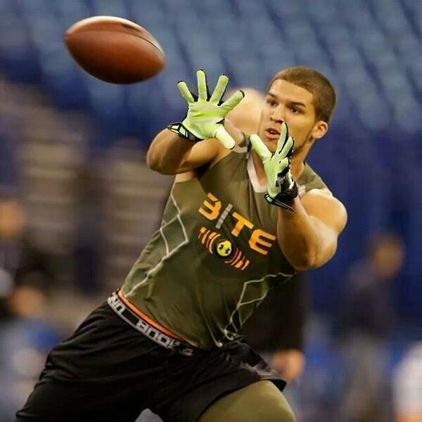Just a normal kid from Venice, Florida with very large dreams and a God who is bigger than them all!! #NFLCombine http://t.co/GTgsWQonq6