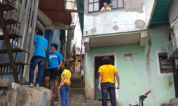 En este momento nos encontramos en El Calavario llevando el mensajes del Movimiento Estudiantil. http://t.co/9grI817MPo