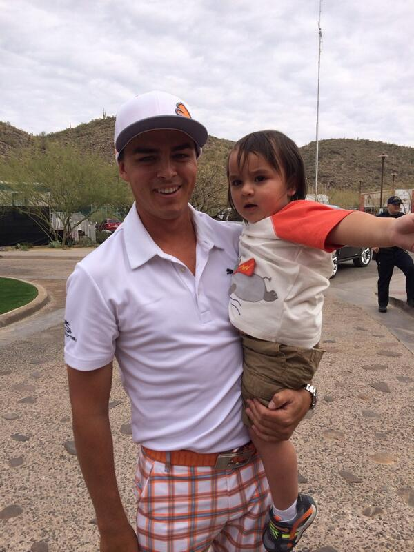 Little Dash Day comforting @RickieFowlerPGA after he lost in semis to his dad @JDayGolf cc: @ellielaneday #MatchPlay http://t.co/qk3Lr8kjWA