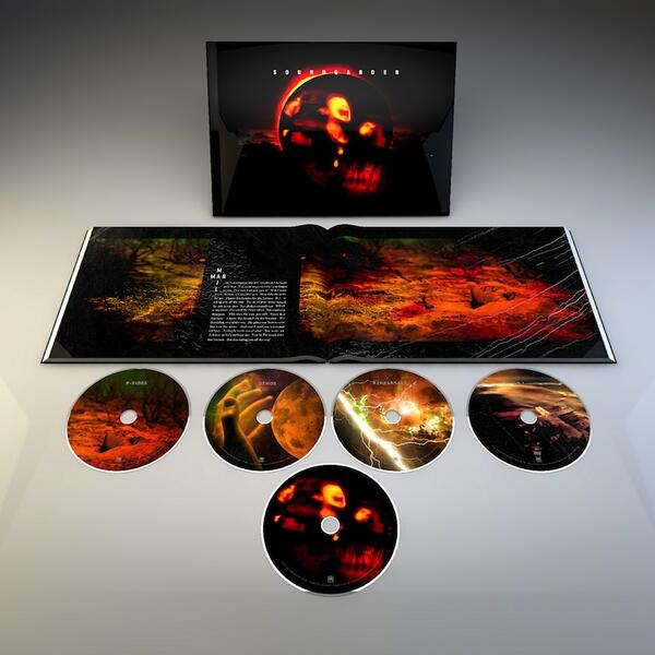 To celebrate 20 years of Superunknown, SG is reissuing the album on June 3rd http://t.co/I8JTEeodkw #Superunknown20 http://t.co/VhMiksuaya