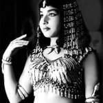 RT @msteckchandani: @sardesairajdeep   Via @indiainpix: Jayalalitha Jayaram  as the Queen of Egypt.