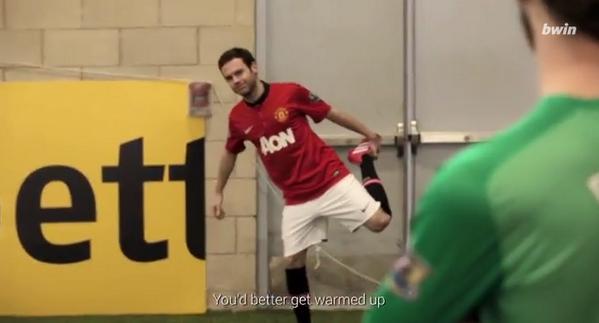 BhPUqzcCIAAz15v Manchester Uniteds Juan Mata takes on the Corner Kick Challenge [Video]