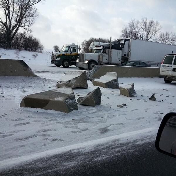 AM980 LEXUS OF LONDON TRAFFIC: a picture of the crash scene on the 401 EB near Culloden Road. http://t.co/7KYw5cp4nI