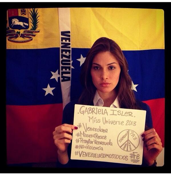 Gabriela Isler comparte esta foto con un mensaje de apoyo para su país Venezuela. #SOSVenezuela #Misses4Peace http://t.co/RtNRJdWrM3