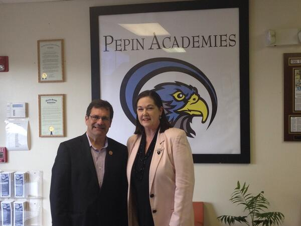 RT @RSAConsulting: Thank you @RepGusBilirakis for joing us today for a tour of @PepinAcademies #sayfie http://t.co/6l5nzApUi4