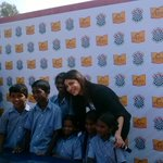 RT @pgshiksha: @shrutihaasan is extremely excited to teach our kids at #PGShiksha and have a fun learning class. http://t.co/yLoYy8Hbem