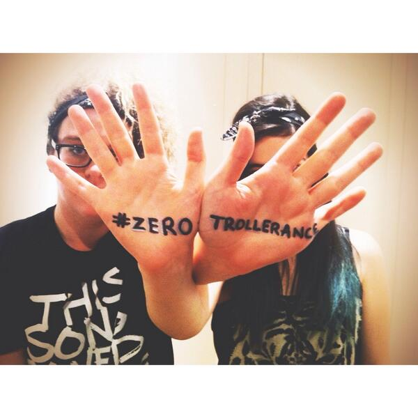 No one likes a Bully. #ZeroTrollerance #StopCyberbullying #HatinIsBad  @JulesLund @chopmeup http://t.co/HY2ZRlizm0