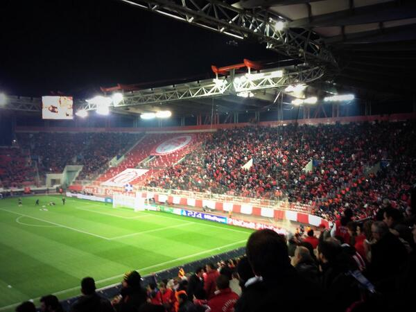 Το κόκκινο κάστρο! #ChampionsLeague #OlyMan #Olympiacos http://t.co/hKG208m0LO