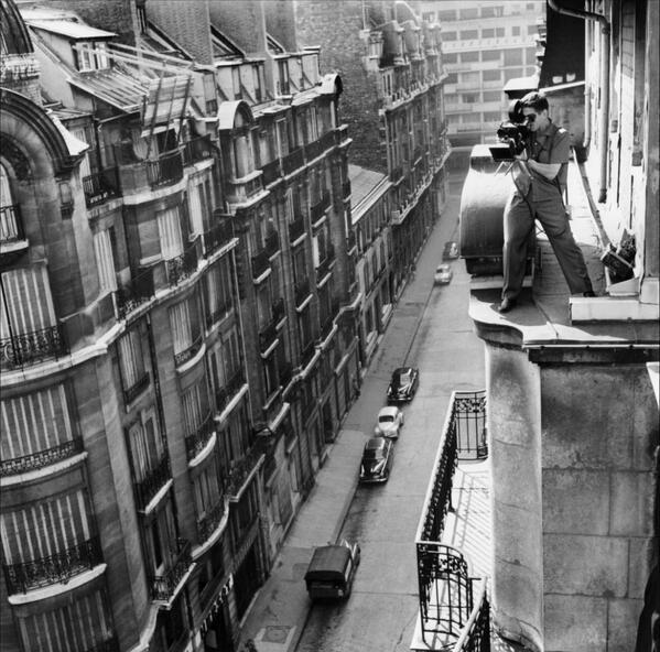 Raoul Coutard filming Jean-Luc Godard's Breathless (À bout de souffle). http://t.co/za2LxwDCL6