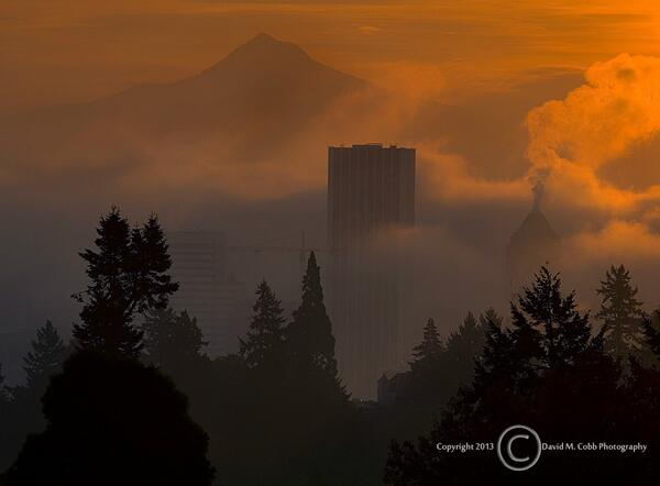 GORGEOUS! RT @PDXJapaneseGdn: Garden sunrise over beautiful Portand. #Portland (photo David Cobb) http://t.co/5ygS2ij45U  #pdx