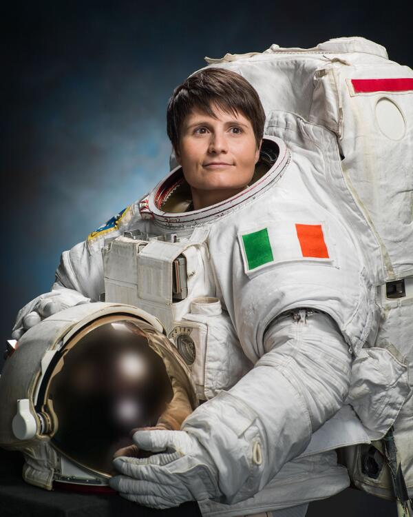 First NASA portraits of ESA astronaut Samantha Cristoforetti http://t.co/rXBNGbKEC4 http://t.co/a3V6OXS2QQ