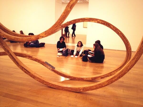 @tate Richard Deacon is the new Henry Moore? Students discuss abstraction vs figuration. Which do you prefer? http://t.co/UO26pkPNC4