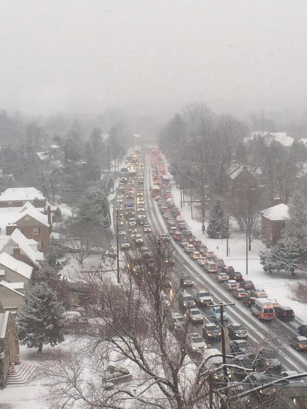 Lauryn Ricketts (@laurynricketts): Drivers having a tough time in Silver Spring! Delays-Thanks Luis Alvarado via https://t.co/M1JcQyRB7M @WTOPtraffic http://t.co/ZFj3j8cA5X