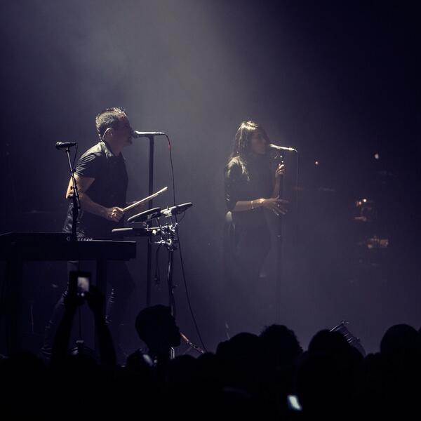 """Tonight in Tokyo, @nineinchnails played """"Ice Age"""" and """"BBB"""" with @mariqueen: http://t.co/zY0gsC9yHs http://t.co/0Y5Xtk5mDe"""