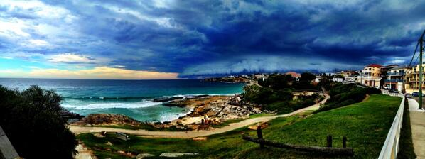 My shot of the storm yesterday: http://t.co/73GtwTgbZh