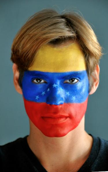 Hagamos eco de lo que esta pasando en Venezuela #QuemiVozseatuVoz #SOSVenezuela   http://t.co/8Y2KJBMCLd http://t.co/FgMtZVIeEi