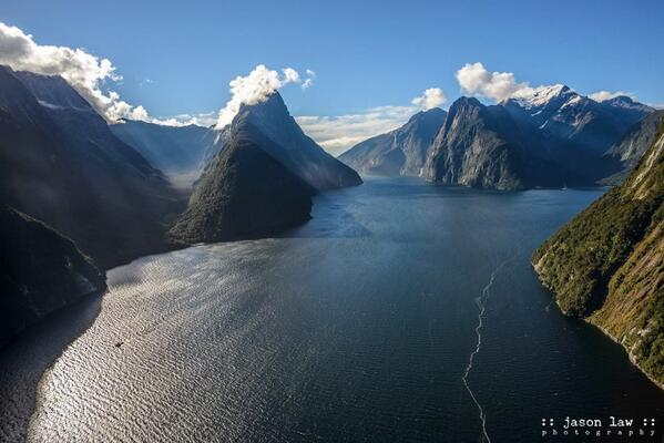 #NZMustDo Take a scenic flight over the craggy peaks of Milford Sound, New Zealand (pic: @JLPhotoNZ) http://t.co/UvWmjXEsaY