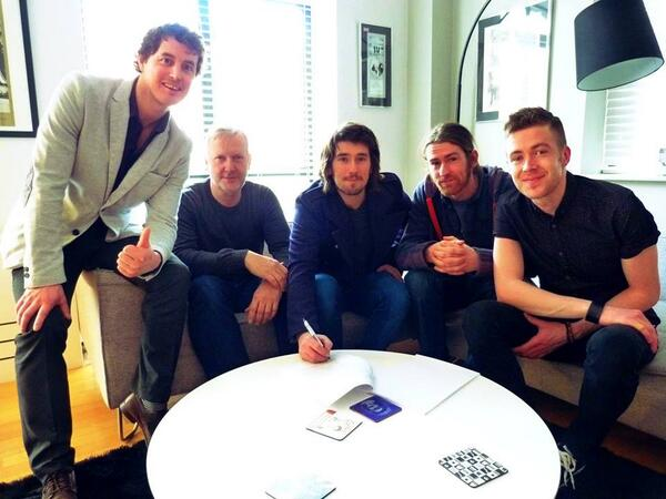 We are delighted to announce that we've just signed a Worldwide record deal with Universal Music. @UniMusicIreland http://t.co/8Qxzy00bqw