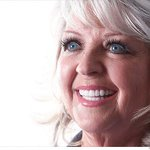 Paula Deen plans first post-scandal restaurant in Pigeon Forge, Tenn. http://t.co/w6khgkNT3C http://t.co/6T2nzG3zH8