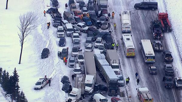 Think your commute is bad, #Vancouver? This is what's happening near #Toronto right now: http://t.co/9YgzBlK8sx http://t.co/HHPOBZQS71