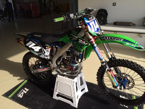 She is waiting for me!!! ;) #kawasaki #team114 http://t.co/9M5guEbpnv