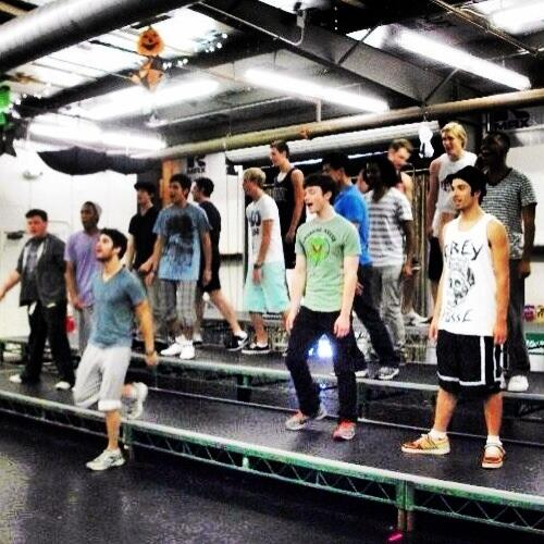 #tbt to our very first warbler rehearsal! @titusmakin @curtmega @rikerR5 @DarrenCriss @chriscolfer #memories http://t.co/THZWziVc6B