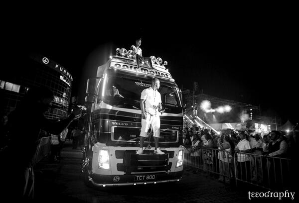now this is an entrance @BUNJIGARLIN @fayannlyons http://t.co/ZBLqjLxPlu