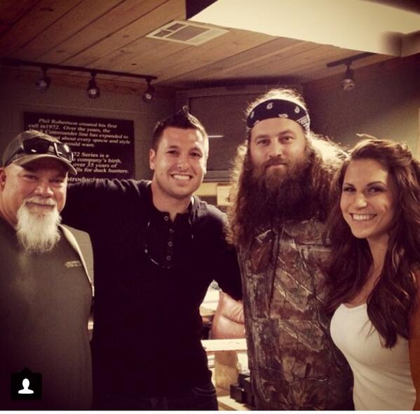 Shipping Wars Robbie (@IamRobbieee): #tbt hanging out with @GodwintheWalrus & @williebosshog after picking up our excursion from @Skyjacker @DuckDynastyAE http://t.co/USqPOFtecl