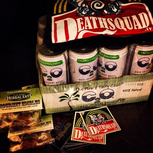 RT @SusiePlascencia: S/O @redban on the #Deathsquad survival pack, ultimate hydration 💦💦 http://t.co/calXapcjaI