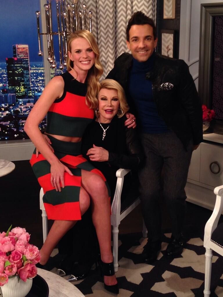 I just die for this pic! With amazing @Joan_Rivers @georgekotsi on @e_fashionpolice. 2nite 9/8c! #TheFace #TeamAnneV http://t.co/ZxoaWm2tJo