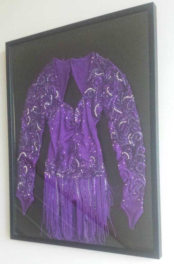 Follow us + RT by 4pm 03/03 to win this incredible @dancingonice framed costume worn by pro skater Jodeyne Higgins: http://t.co/p59ukdsEHS