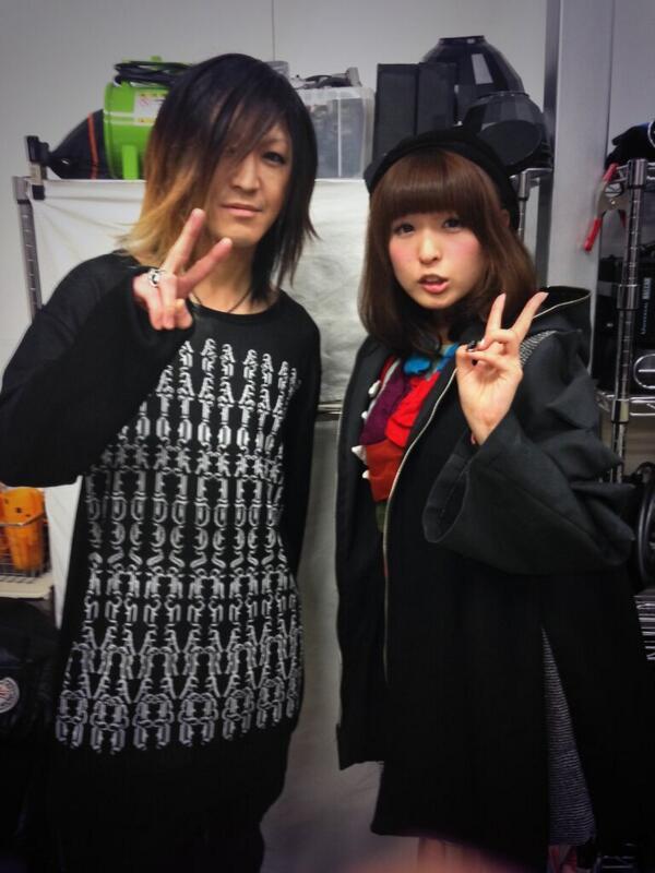 3月10日発売のローリングストーンでGLAYのHISASHIさんと対談させていただきましたΣΣ(゚Д゚)HISASHIさんはアルバムのリード曲primal.2でギターをひいてくださってるのです!夢のようだよー!チェックよろです☆ http://t.co/3gIdlJkdxu