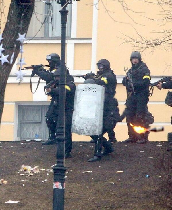 """Янукович: """"Беркут был безоружным и выстоял"""" http://t.co/6ka7Vpa87Y"""
