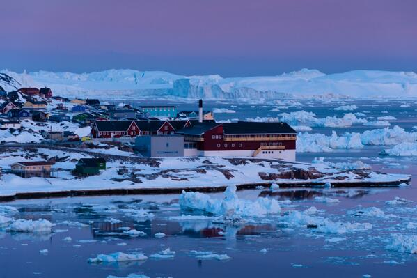 Be amazed by Disko Bay frozen landscapes in Greenland http://t.co/7w8E8yEEQg http://t.co/wDLfn6MLAN