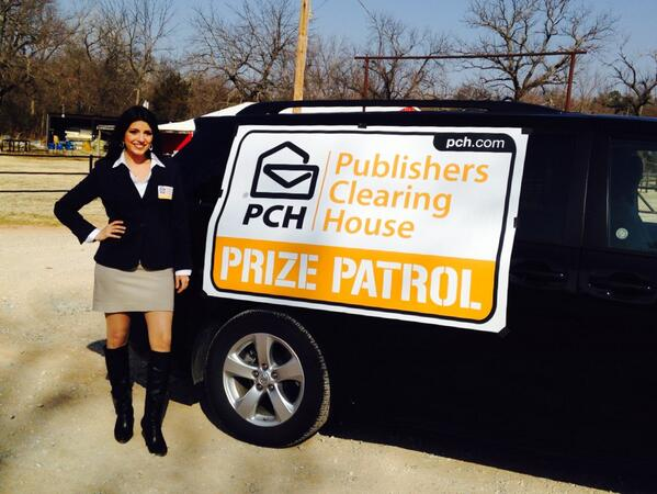 PCH Danielle Lam (@PCHDanielle): Check out the NEW @pchdotcom #PrizePatrol van sign!! RT if you like it!! http://t.co/Hl4Q1UReCf