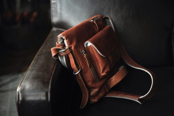 Finished my review of the @hardgraft 2Unfold bag. Much beloved. Very bag.   http://t.co/i78l0wLgI0 http://t.co/aJNbDVf3UQ