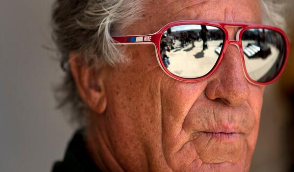 A very happy birthday to @MarioAndretti. They don't come any cooler. #F1 http://t.co/MxxEw3MsyU