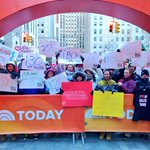 RT @alexontheplaza: Our audience proudly showed off their weight on the #TODAYplaza this morning as part of #LoveYourSelfie on @TODAYshow h…