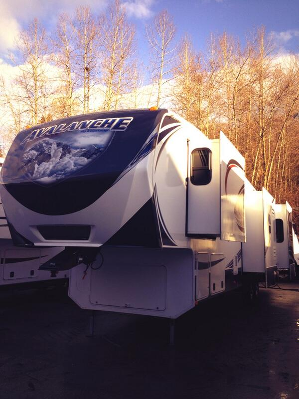 Sometimes, I pretend my trailer is a space ship http://t.co/zBHXNg6C2I