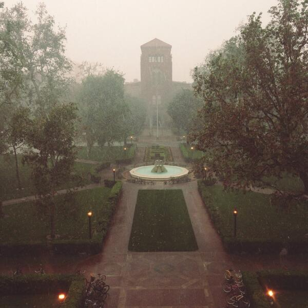 """Heavy rain at @USC right now. (But our """"Subversive Works"""" event goes on nonetheless.) Here's the view from Doheny. http://t.co/SYmuDaI7b6"""