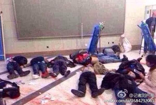 More picture from Kunming train station. http://t.co/a0WxYA17UQ